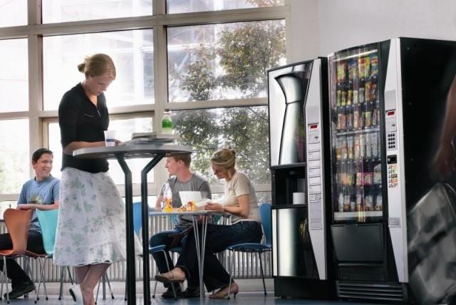 Кофейный автомат в ТЦ