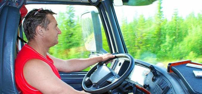 Оформление трудового договора с водителем грузового автомобиля